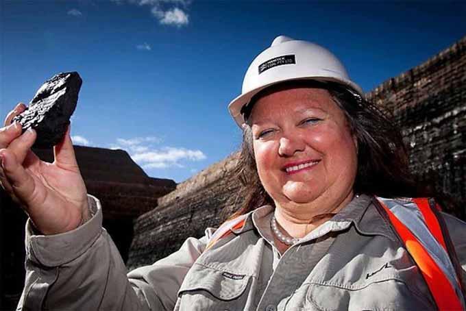 9. Gina Rinehart, 65 tuổi, quốc tịch AustraliaTài sản: 15,2 tỷ USDKhông chỉ góp mặt trong top 10 phụ nữ giàu nhất thế giới, bà Gina Rinehart còn là tỷ phú giàu nhất Australia. Là con của nhà kinh doanh quặng sắt nổi tiếng Lang Hancock, nhưng bà Gina Rinehart phải thừa hưởng một công ty phá sản rồi xây dựng lạiHancock Prospecting thành một doanh nghiệp quặng sắt thành công. Tuy nhiên, cuộc sống của tỷ phú 65 tuổi lại không yên ổn khi dính vào vụ kiện với hai trong số bốn đứa con của mình liên quan đến tài sản gia đình. Ảnh:AFR.