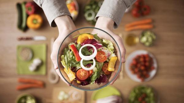 Khoa học đã chứng minh rằng chế độ ăn thuần chay có thể giúp người ăn giải quyết tình trạng căng thẳng và lo âu