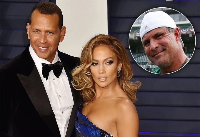 Jose Canseco (góc phải) tố cáo Alex Rodriguez lừa dối Jennifer Lopez.