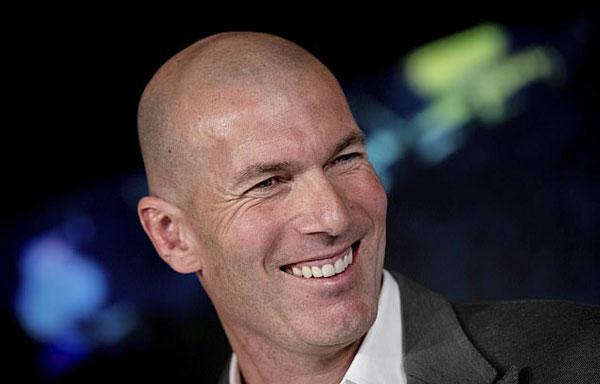 Hôm 11/3, Real đưa ra thông báo: Ban lãnh đạo có cuộc gặp ngày hôm nay, quyết định chấm dứt hợp đồng với HLV Santiago Solari. Real Madrid đánh giá cao thành quả thời gian quacủa ông Solari, sự cam kết và lòng trung thành của ông với đội nhà. Ban lãnh đạo cũng nhất trí chỉ định Zinedine Zidane làm HLV mới của Real Madrid, hợp đồng có hiệu lực từ lúc này đến hết tháng 6/2022