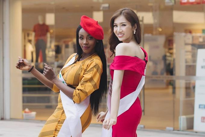 Nhật Hà (trái) và tân hoa hậu