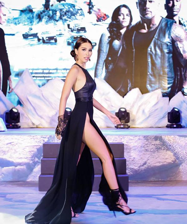 Sao Việt và những mẫu váy xẻ đốt mắt người nhìn