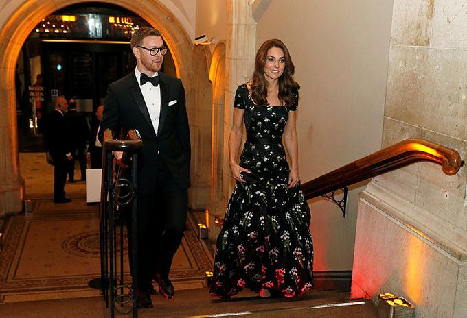 Đây là lần thứ ba Kate, người bảo trợ của Phòng trưng bày Quốc gia, tham dự buổi dạ tiệc gây quỹ hàng năm.