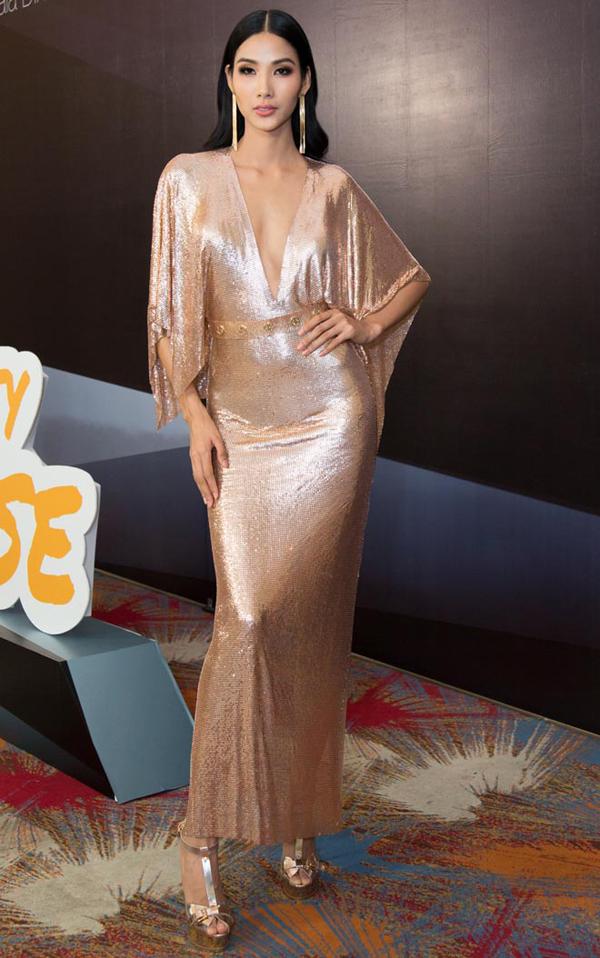 Sao Việt và những mẫu váy xẻ đốt mắt người nhìn - 10