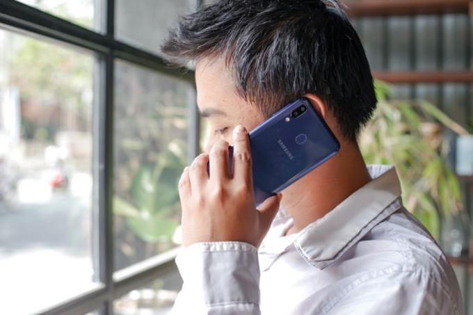 Smartphone bền bỉ một trong những phương thức giữ lửa tình yêu cho các cặp đôi.