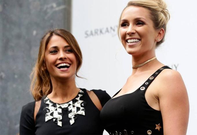 Antonella Roccuzzo và Sofia Balbi trong ngày khai trương hai năm trước.