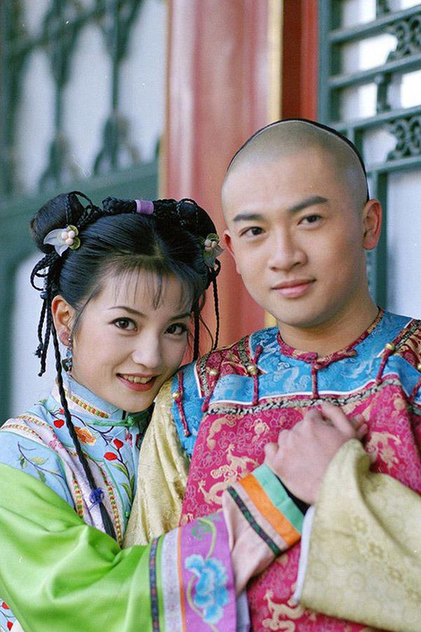 Triệu Vy và Tô Hữu Bằng thời đóng cặp trong Hoàn Châu cách cách năm 1998.