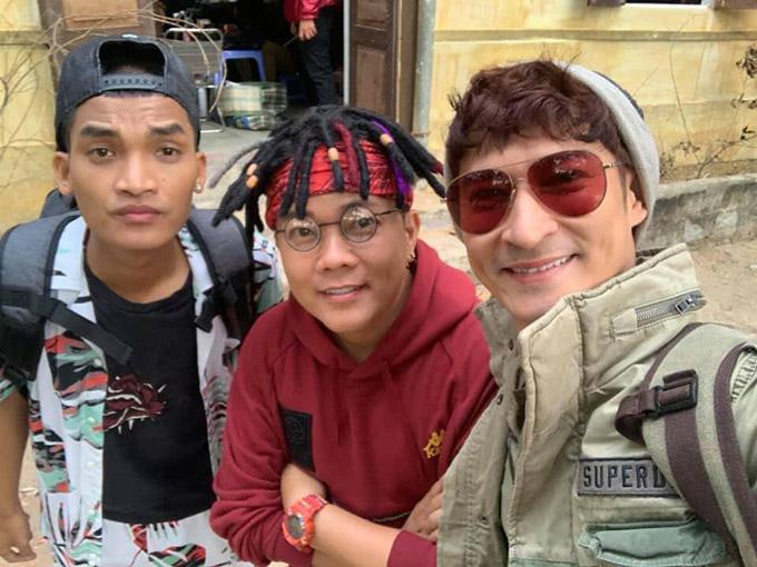 (Từ trái qua) Mạc Văn Khoa, Hoàng Mèo và Huy Khánh đảm nhận các vai diễn gây cười trong phim.