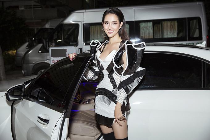 Từ cô gái quê, người đẹp Tiền Giang đã lột xác hoàn toàn sau 7 năm gia nhập làng giải trí.