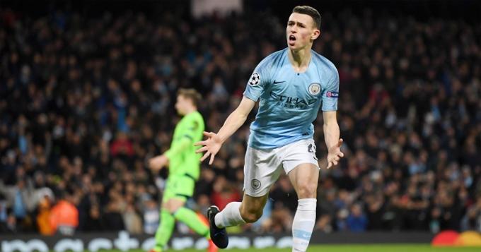 Foden vào sân từ ghế dự bị và có bàn thắng đầu tiên tại Champions League, lập kỷ lục là cầu thủ Anh trẻ nhất lập công tại Cup châu Âu. Ảnh: F365.