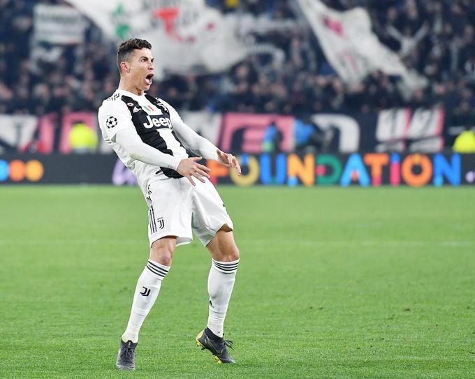C. Ronaldo có một đêm thăng hoa khi lập hattrick