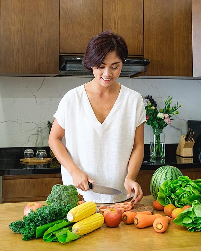 Từng có công việc với thu nhập tốt nhưng Thiên Kim quyết định nghỉ việc để chăm sóc gia đình và thỏa mãn đam mê nấu nướng.