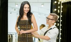 Hoa hậu Siêu quốc gia khoe ngực đầy với váy của Chung Thanh Phong