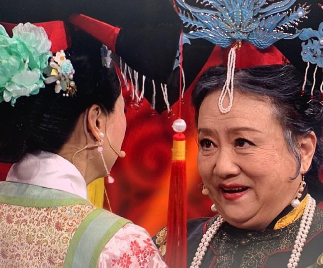 Tình nhi Cách cách Vương Diễm khóc khi hội ngộ Lão Phật Gia