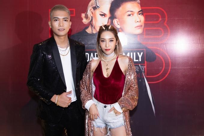 Tối 14/3, BigDaddy và Emily đã có buổi mini concert đầu tiên của cặp đôi trong sự nghiệp. Đêm nhạc đã thu hút gần 1000 khán giả tham dự.