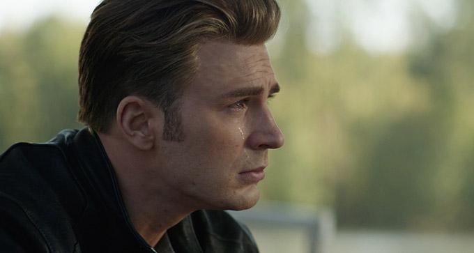Captain America bật khóc trong Avengers: Endgame.