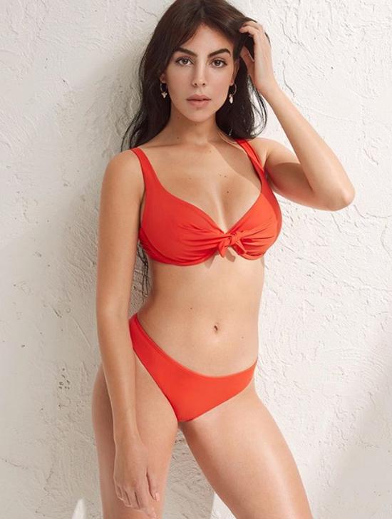 Hình ảnh Georgina Rodriguez hé lộ trên trang cá nhân.