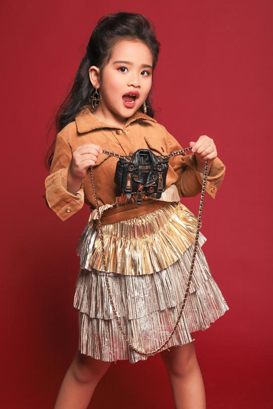 Sau những lần được biểu diễn cùng các hoa hậu siêu mẫu tại Asian Kids Fashion Week, cô bé đã nuôi ước mơ trở thành hoa hậu và rất thần tượng cô Trần Tiểu Vy.