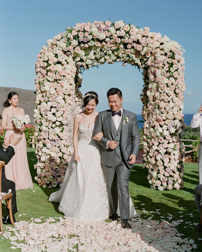 Tiệc cưới sắc hồng, ghi của cặp bước qua ranh giới 'friendzone'