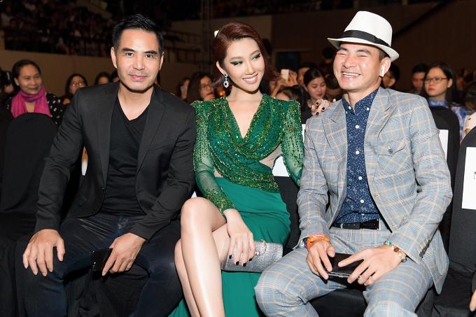Hai diễn viên hội ngộ nghệ sĩ Xuân Bắc (phải)
