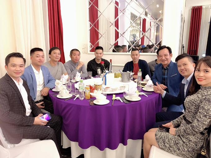 NSND Trung Hiếu và  vợ kém 19 tuổi làm tiệc cưới tại quê nhà Thái Bình - 1