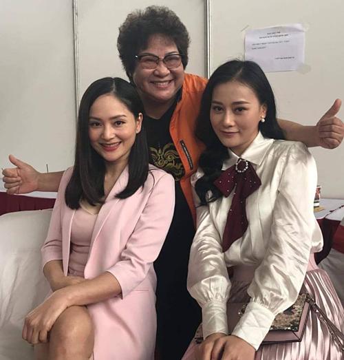 Nghệ sĩ Minh Vượng pose hình bên diễn viên Lan Phương và Phương Oanh khi đóng phim mới: 10 phân vẹn 10 thếnày tui biết chọn ai làm cháu dâu?.