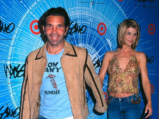 Lori Loughlin và Mossimo Giannullikết hôn bí mật năm 1997. Ảnh:AP.