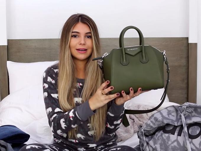 YouTube còn là nơi Olivia Jade đem khoe quà tặng và các kỳ nghỉ xa xỉ. Trên trang cá nhân, con gái Loughlin thường thẳng thắn quan điểm ít coi trọng trường lớp, mà xem YouTube và làm đẹp là ưu tiên số 1.Ảnh cắt từ YouTube Olivia Jade.