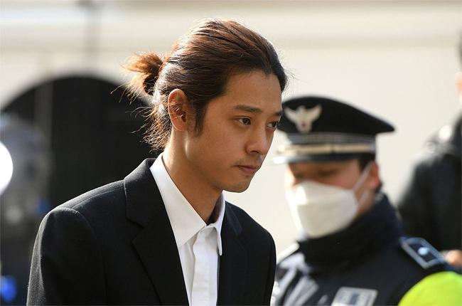 Joon Young đang phải trả giá vì hành vi tội lỗi của mình.