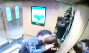 Người đàn ông tự ý hôn nữ sinh trong thang máy bị phạt 200.000 đồng
