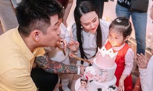 Tuấn Hưng làm sinh nhật cho con gái ở biệt thự mới