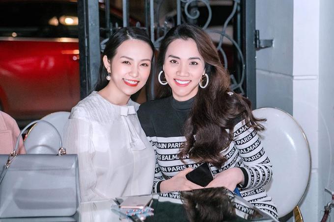 Diễn viên Trang Nhung, người bạn thân của Thu Hương cũng đến dự tiệc.