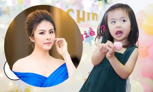 Vân Trang rủ con gái làm việc nhà từ lúc bé 2 tuổi