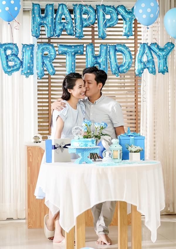 Vợ chồng Trường Giang - Nhã Phương tham gia ghi hình cho một dự án quảng cáo. Họ vào vai một đôi vợ chồng chuẩn bị tiệc sinh nhật cho con gái đầu lòng.