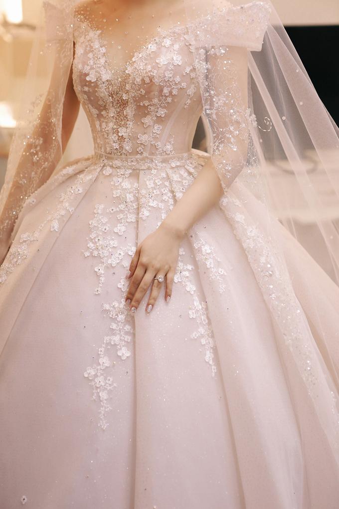 Váy cưới của 'tiểu thư nhà giàu' Trinh Hoàng được làm trong 6 tháng