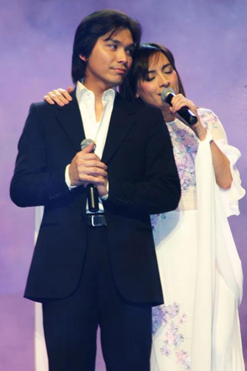 Mạnh Quỳnh và Phi Nhung là cặp song ca quen mặt trong nhiều băng đĩa nhạc ở hải ngoại.