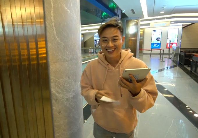 Trong tập 8 di động đặc biệt, Thanh Duy thay Khả Như và Toof.P trở thành host của chương trình.