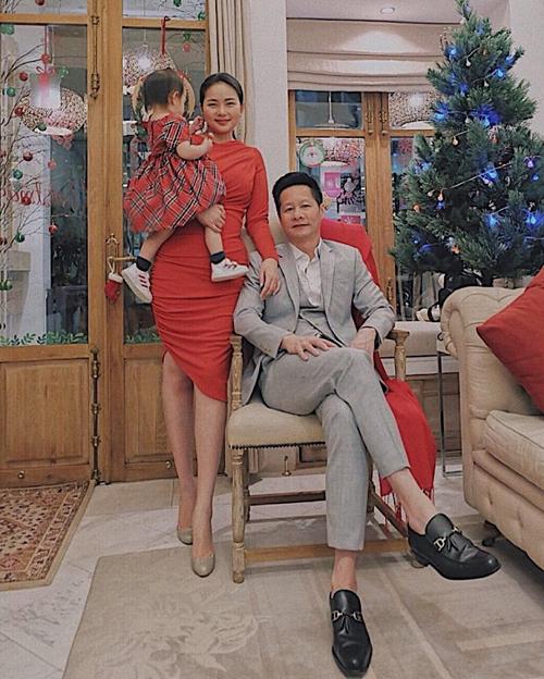 Phan Như Thảo rời showbiz và có cuộc sống hạnh phúc bên chồng và con gái.