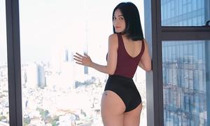 Sĩ Thanh mách nước trị thâm vòng ba để kịp diện bikini đón hè