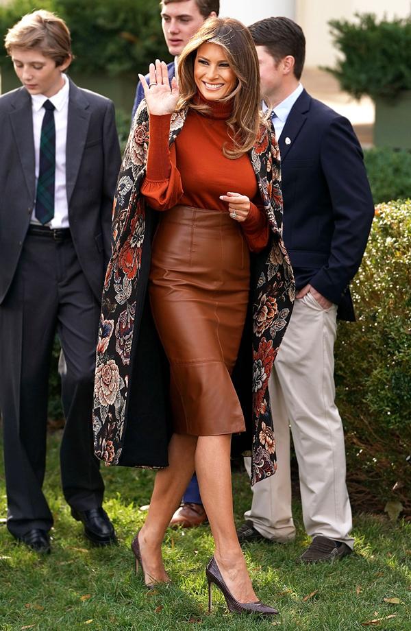 Chân váy bút chì, đặc biệt nếu làm từ chất liệu da, là một trong những kiểu trang phục khiến phái đẹp dễ bị tố cáo nhược điểm cơ thể hơn cả.