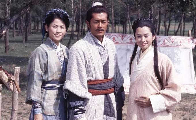 Cổ Thiên Lạc cùng Tuyên Huyên và Quách Thiện Ni trong cảnh kết của phiên bản truyền hình 19 năm trước.