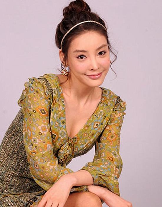 Chân dung nữ diễn viên quá cố Jang Ya Yun.