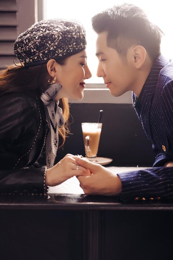 Với Lê Hà, ông xã là một người đàn ông chu đáo, ngọt ngào và tính cách hiền lành. Cô cảm thấy may mắn khi có người đàn ông này bên cạnh yêu thương và cả hai cùng nhau xây dựng một tổ ấm cùng nhau.