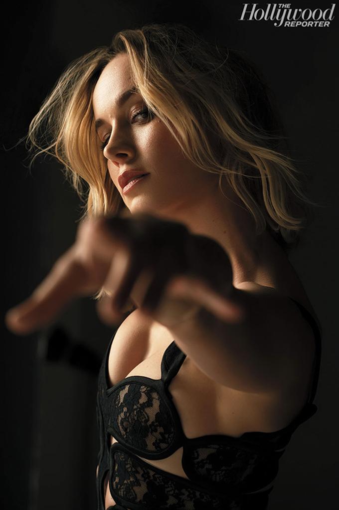 Khác với hình ảnh kín cổng cao tường như trong Captain Marvel hay phong cách thường thấy, Brie Larson mới đây thực hiện một bộ ảnh bay bổng và gợi cảm cho tạp chí The Hollywood Reporter, nhân phim Captain Marvel ra mắt.