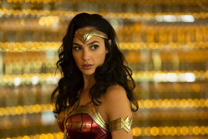 Năm 2018, Gal Gadot một lần nữa gây ấn tượng với khán giả toàn cầu khi lồng tiếng nhân vật nữ quái xế trong phim hoạt hình Wreck đập phá: Phá đảo thế giới ảo. Cô sẽ tái xuất trong hình tượng Wonder Woman qua phần 2 mang tựa đề Wonder Woman 1984 phát hành năm 2020.