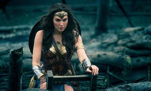Ba nữ siêu anh hùng nóng bỏng của Hollywood