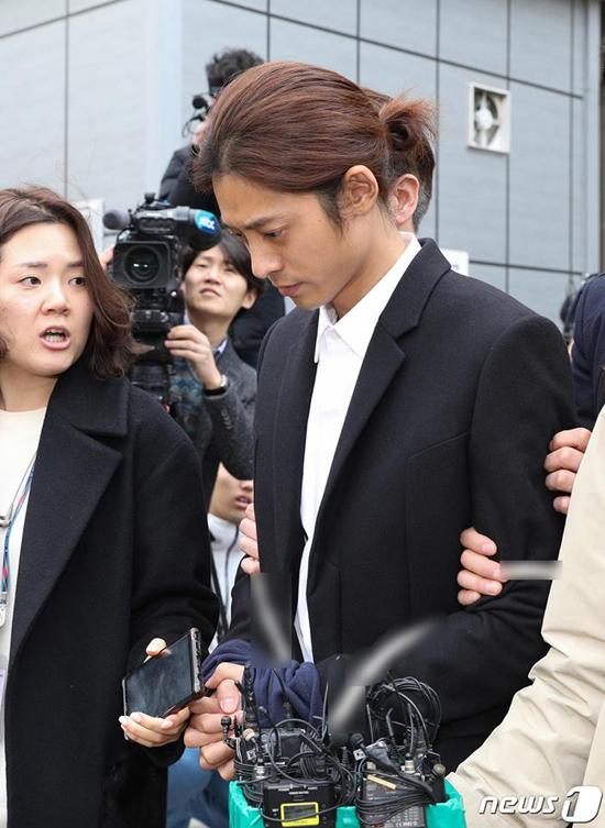 Jung Joon Young bị bắt - 3