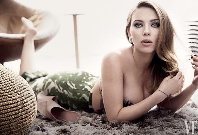 Trong ba nữ siêu anh hùng nổi bật của thập niên vừa qua, Scarlett Johansson là người sở hữu vóc dáng bốc lửa nhất. Cùng với nhan sắc ngọt ngào và diễn xuất tròn trịa, cô khiến nhiều người hâm mộ yêu mến.