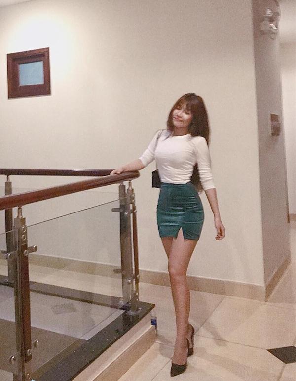 Bạn gái Đặng Văn Lâm thích mặc sexy khoe dáng nuột - 8