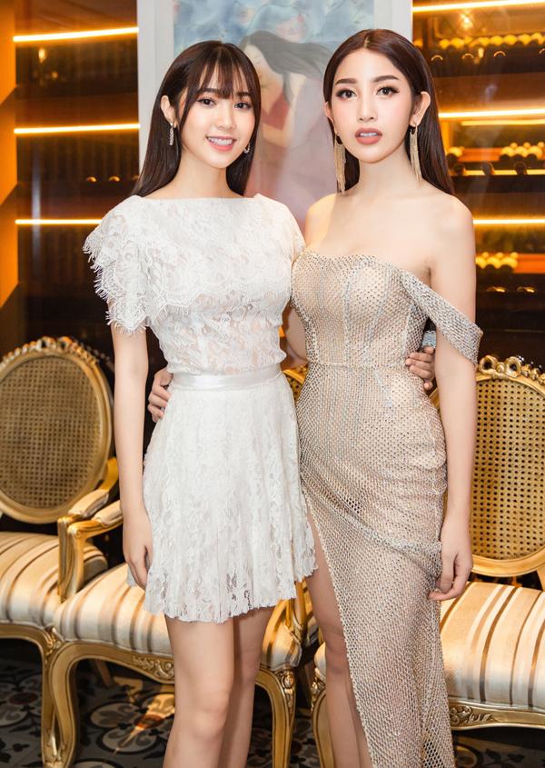 Diễn viên Quỳnh Hương (trái) đua nhan sắc với Á hậu Áo dài Poy - người lai bốn dòng máu Việt, Thái, Đức,Lào.